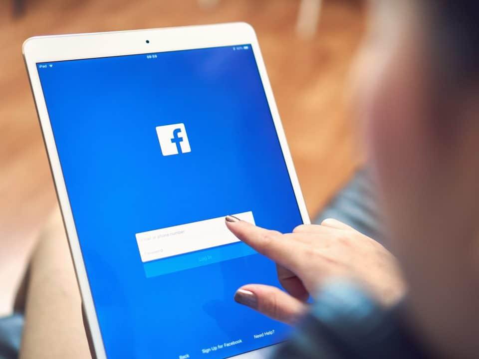 come contattare l'assistenza di facebook